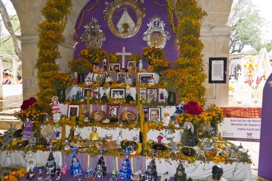 altar l1020508